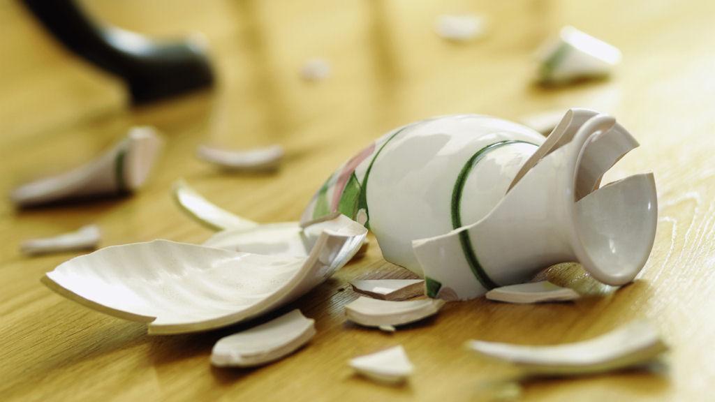 Приметы и поверья про разбитую посуду