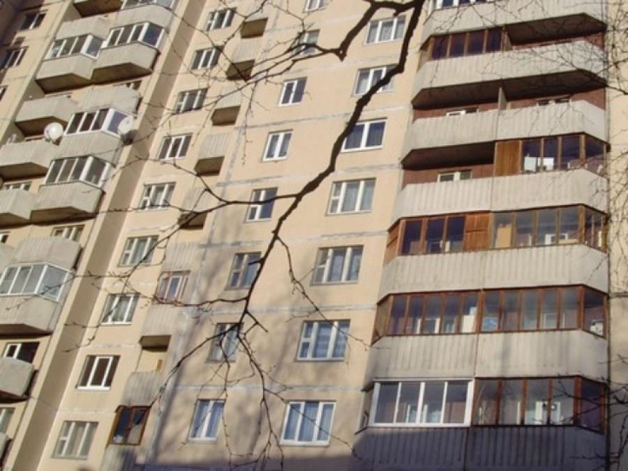 """В запорожье с балкона выбросился мужчина """" время новостей."""