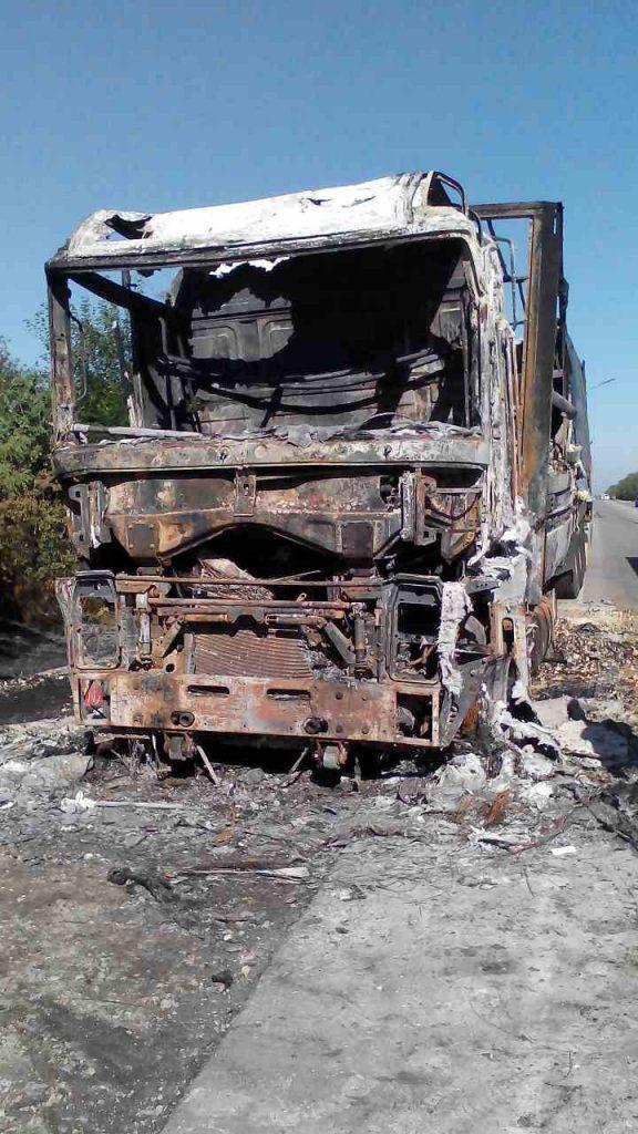 В Запорожской области потушили грузовик с 22 тоннами муки