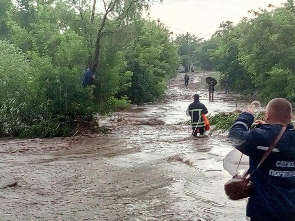 Ужасная стихия: страшный потоп практически смыл село под Запорожьем (Фото). Новости Днепра